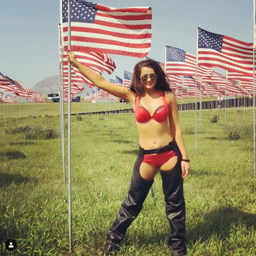 Screenshot_2020-05-26 #budweisergirls hashtag on Instagram • Photos and Videos(1)